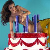 Emily Ratajkowski sexy : La bombe nue pour Robin Thicke se déshabille encore