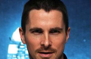 URGENT : Christian Bale, alias Batman, relâché du commissariat ! (réactualisé)