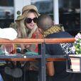 La soeur de Jessica, Ashlee Simpson va déjeuner au restaurant avec Evan Ross (le fils de Diana Ross) à West Hollywood, le 2 juillet 2013. Selon les dernières rumeurs, Ashlee et Evan seraient en couple   Photo exclusive