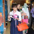Kris Jenner, filmée par les caméras de l'émission Keeping up with the Kardashians, fait du shopping à Calabasas. Le 5 juillet 2013.