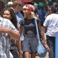 Exclusif - Willow Smith, très maigre, se promène avec des amis au marché aux puces à Hollywood, le 7 juillet 2013.