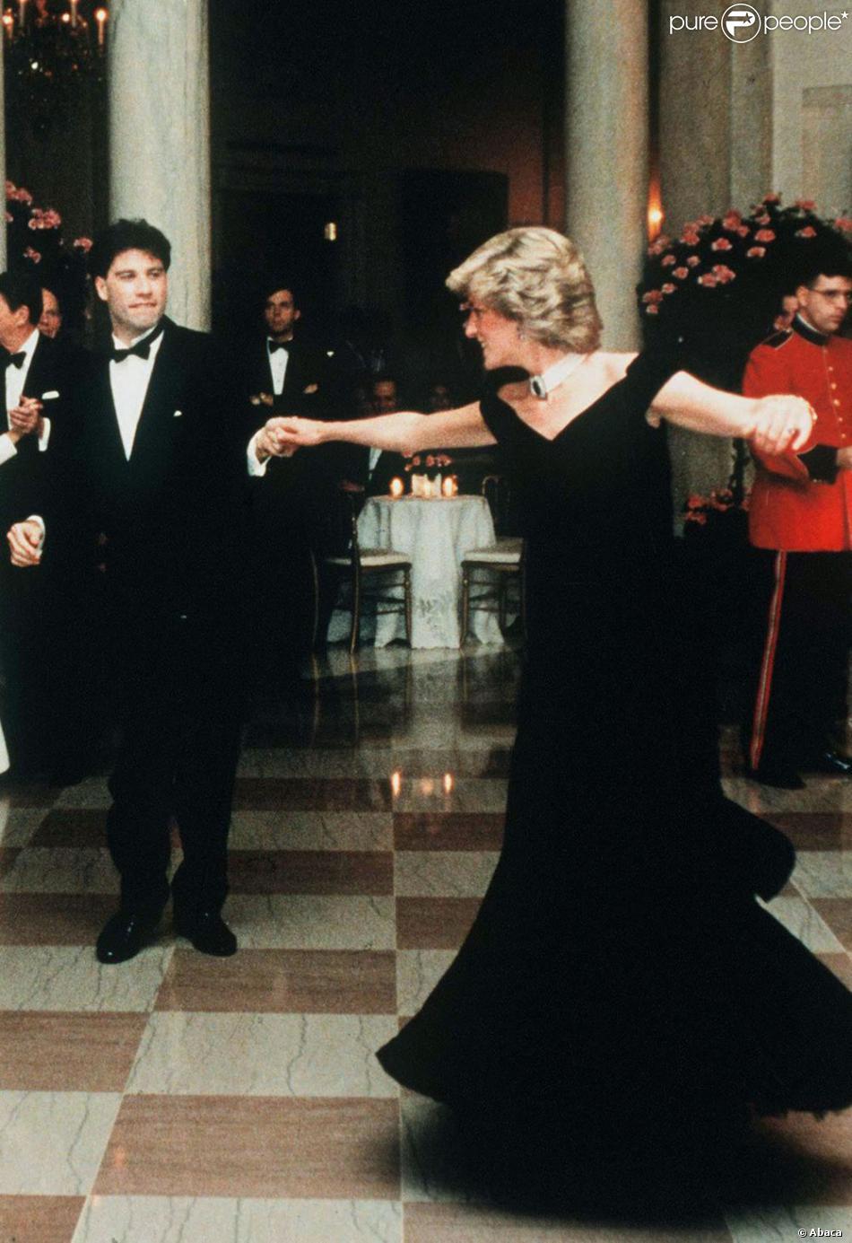 Lady diana en 1985 sa danse survolt e avec john travolta - Princesse qui danse ...