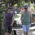 Zachary Quinto et Jonathan Groff viennent de se séparer. Ici à Los Angeles, le 29 juillet 2012.