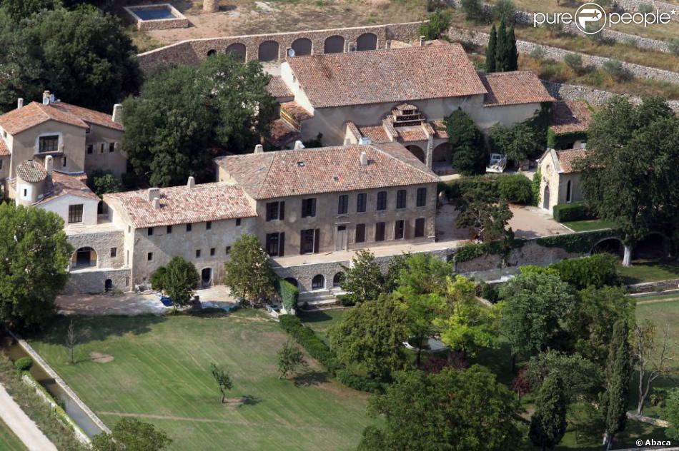 Vue aérienne du domaine de Miraval à Correns appartenant à Angelina Jolie et Brad Pitt depuis 2008
