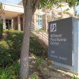 Lynn Organ et Rick Bynes, les parents d'Amanda Bynes, se rendent à son chevet, à la clinique Hillmont Psychiatric Center, à Los Angeles, le 24 juillet 2013.