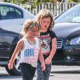 Jerry O'Connell a offert à ses filles Charlie et Dolly une virée dans une grande chaîne de fast-food à Los Angeles, le 24 juillet 2013.