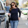 Jennifer Garner va faire ses courses avec ses filles Violet et Seraphina à Santa Monica, le 4 août 2013.