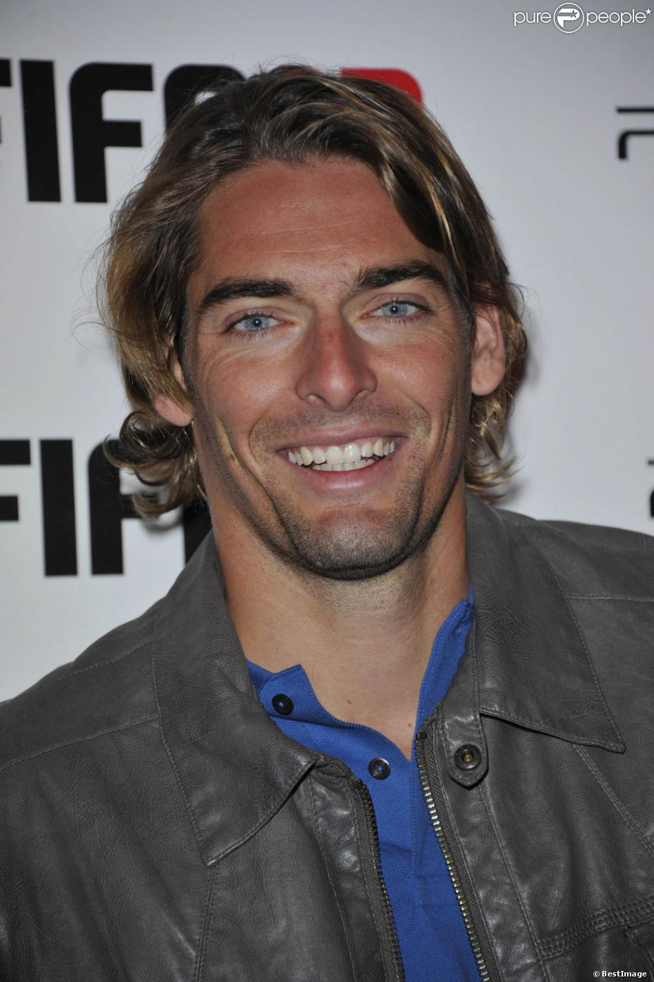 camille lacourt soir e fifa 13 l 39 olympia le 25 septembre 2012 paris. Black Bedroom Furniture Sets. Home Design Ideas