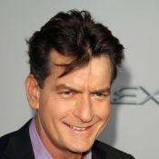 Charlie Sheen: Toujours plus scandaleux, il emménage encore avec deux stars du X