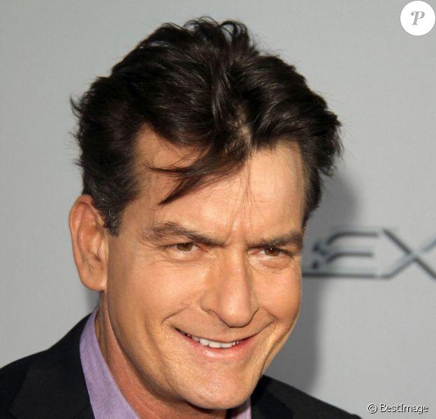 """Charlie Sheen à la première de """"Scary Movie 5"""" à Hollywood, le 11 avril 2013."""