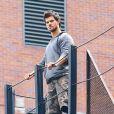 Taylor Lautner et Marie Avgeropoulos sur le tournage du film Tracers, à New York. Le 27 Juillet 2013.