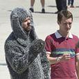 Elijah Wood et Jason Gann sur le tournage de la série Wilfried le 4 avril 2012 à Los Angeles.