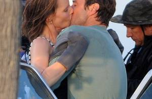 Helen Hunt, 50 ans, sculpturale et amoureuse : Baisers fougueux avec Luke Wilson