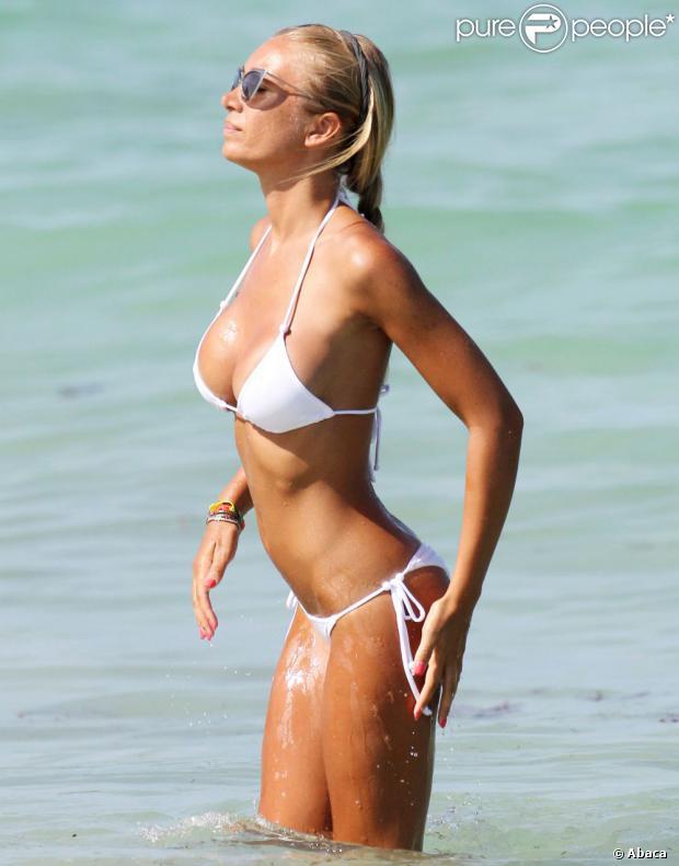 Laura Cremaschi sur une plage de Miami, le 18 août 2013.