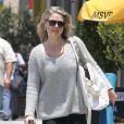 Ali Larter se promène à Beverly Hills, le 13 juin 2013.