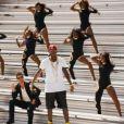 Robin Thicke dans le clip de son dernier titre, Give It 2 U (featuring 2 Chainz et Kendrick Lamar) dévoilé le 25 août 2013.