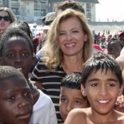 Valérie Trierweiler et Maud Fontenoy, jeune maman, en vacances pour des enfants