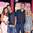 Stephen Barker Liles et sa compagne Jenna, qu'il épousera en juin 2014, et Eric Gunderson avec sa femme Emily Hagar, alias le duo country Love and Theft, lors des CMT Music Awards 2012 le 6 juin 2012 à Nashville.