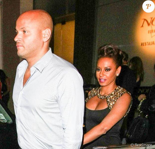 Exclusif - Mel B et son époux Stephen Belafonte quittent le restaurant Nobu, à Londres, le 1er septembre 2013.
