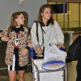 Léa Seydoux et Adèle Exarchopoulos arrivant à l'aéroport international de Toronto pour le festival du film le 4 septembre 2013