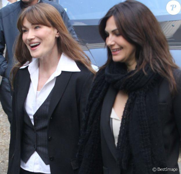 Carla Bruni Sarkozy et Helena Noguerra arrivant à l'enregistrement de l'émission Champs-Elysées au Studio Gabriel à Paris le 2 mai 2013