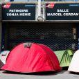 Des fans de Mylène Farmer ont campé devant Bercy avant le concert du 7 septembre 2013.