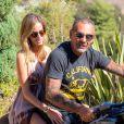 Christian Audigier et sa fiancée Nathalie Sorensen profitent de Los Angeles, le 26 août 2013 - Exclusif