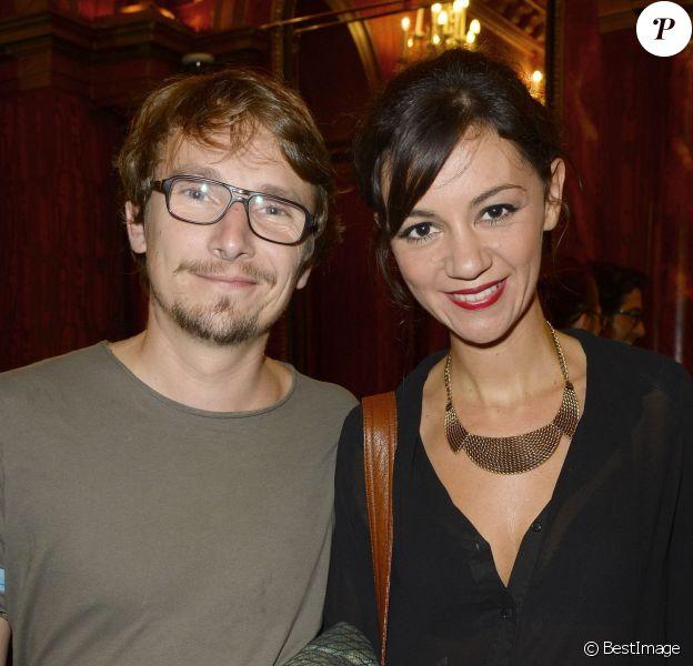 """Exclusif - Lorànt Deutsch et son épouse Marie-Julie Bauplors de la première de la pièce """"Divina"""" au théâtre des Variétés à Paris, le 13 septembre 2013."""