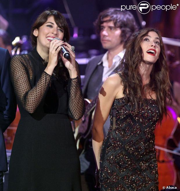 Nolwenn Leroy et Olivia Ruiz au concert des Francofolies hommage à Edith Piaf, au Beacon Theatre à New York, le 19 septembre 2013.