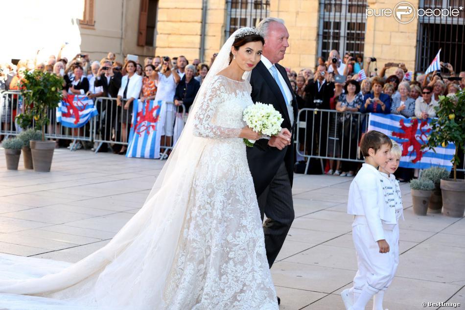 Arrivées des invités au mariage du prince Felix de Luxembourg et de ...