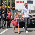 Heidi Klum en pleine séance shopping avec son petit ami Martin Kristen et ses enfants à Los Angeles, le 21 septembre 2013.