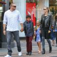 Heidi Klum avec son petit ami Martin Kristen et ses enfants en pleine séance de shopping à Los Angeles, le 21 septembre 2013.