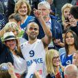 Tony Parker, sa fiancée Axelle et sa maman Pamela après la finale de l'Eurobasket remportée par la France face à la Lituanie (80-66), à Ljubjana, le 22 septembre 2013
