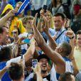 Boris Diaw au milieu des fans tricolores après la finale de l'Eurobasket remportée par la France face à la Lituanie (80-66), à Ljubjana, le 22 septembre 2013