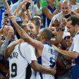 Tony Parker au milieu des fans après la finale de l'Eurobasket remportée par la France face à la Lituanie (80-66), à Ljubjana, le 22 septembre 2013