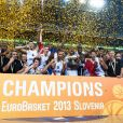 Les Bleusaprès la finale de l'Eurobasket remportée par la France face à la Lituanie (80-66), à Ljubjana, le 22 septembre 2013