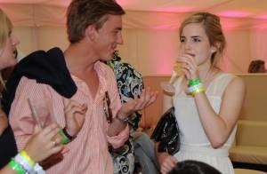 PHOTOS : Quand la jeune Emma Watson boit et se lâche en soirée, ça donne ça...
