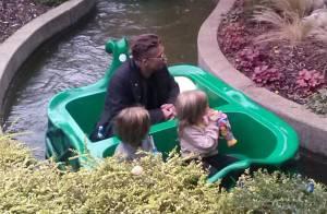Brad Pitt : Papa stylé et discret avec ses jumeaux Knox et Vivienne à Legoland