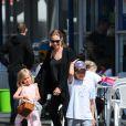 Angelina Jolie et ses filles Shiloh et Vivienne à Sydney en Australie, le 15 septembre 2013