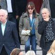 Jacky, Chantal Lauby à la sortie lors des obsèques de Gilles Verlant au cimetière du Père-Lachaise, le 4 octobre 2013 à Paris
