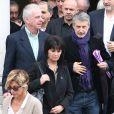 Jacky, Antoine de Caunes à la sortie lors des obsèques de Gilles Verlant au cimetière du Père-Lachaise, le 4 octobre 2013 à Paris
