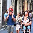 Guy Ritchie en famille dans les rues de Rome, le 3 octobre 2013.