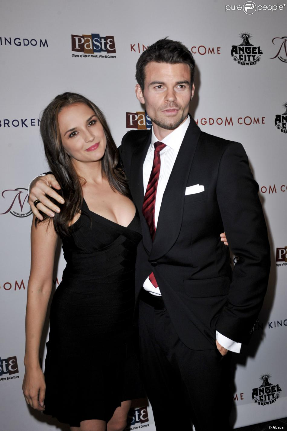Rachael Leigh Cook couple