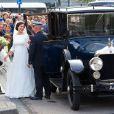 L'arrivée de la mariée, dans une robe signée Claes Iversen. Mariage du prince Jaime de Bourbon-Parme et Viktoria Cservenyak, le 5 octobre 2013 en l'église Notre-Dame de l'Assomption à Apeldoorn (centre des Pays-Bas).