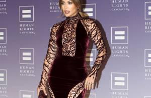 Jennifer Lopez : Affolante bombe gothique la nuit, maman au naturel le jour !