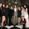La tribu Kardashian-Jenner au grand complet : Bruce Jenner, Kendall Jenner, Rob Kardashian, Kris Jenner, Scott Disick, Kourtney Kardashian, Kim Kardashian, Kylie Jenner, Mason Disick à Los Angeles, le 24 décembre 2011.