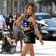 Alessandra Ambrosio sur un shooting à Beverly Hills, le 2 octobre 2013