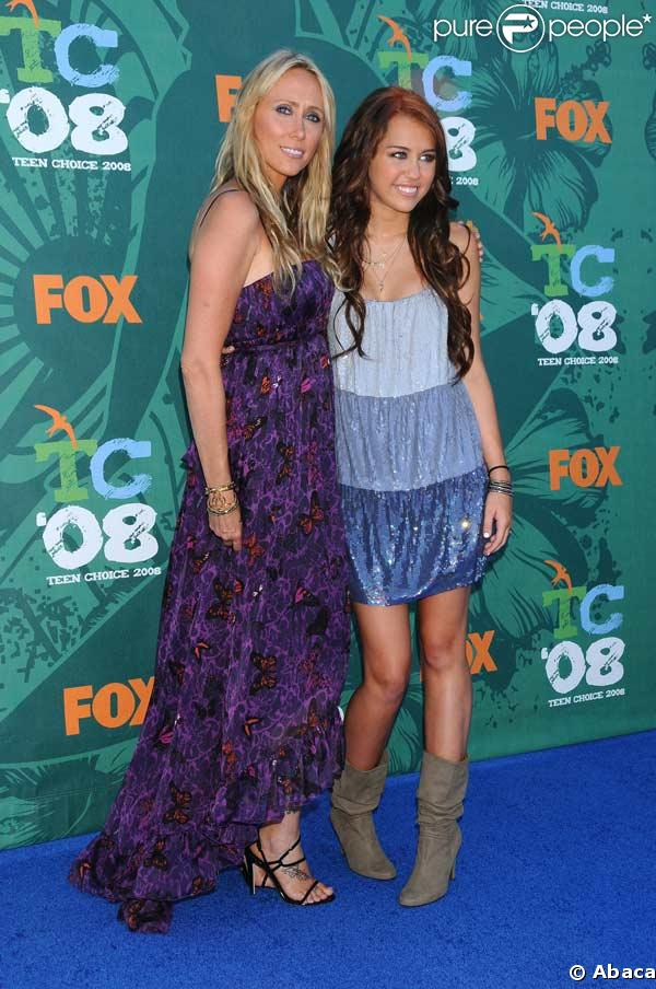 Miley Cyrus et sa mère Tish au Teen Choice Awards
