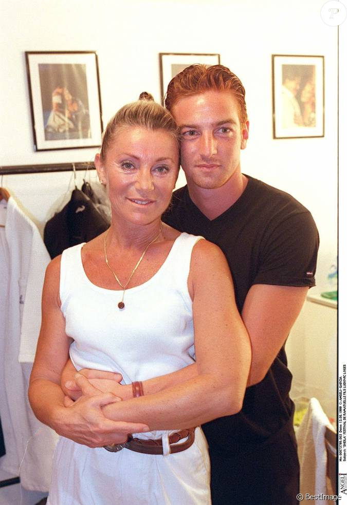 sheila et son fils ludovic au festival de ramatuelle le 13 ao t 1999. Black Bedroom Furniture Sets. Home Design Ideas