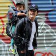 Orlando Bloom et son fils Flynn à New York, le 14 octobre 2013.